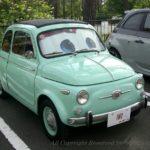旧車のチンクエチェントだから似合う色?ミントグリーン?うぐいす色?いやいや新型フィアット500もイケるよ!