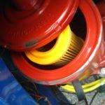旧チンク2気筒エンジンの振動で生じるナゾのビビり音はエアクリーナーカバー